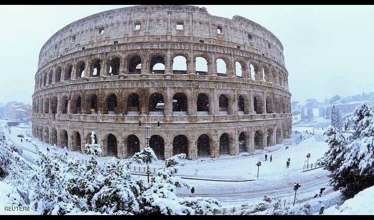 عاصفة ثلجية نادرة تعطل الحياة في روما
