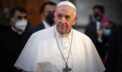 البابا يعرب عن