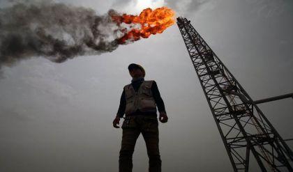ارتفاع تصاعدي بأسعار النفط بعد سنة من انهيار تاريخي