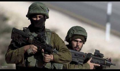 قوات الاحتلال تعتقل عشرات الفلسطينيين بالضفة
