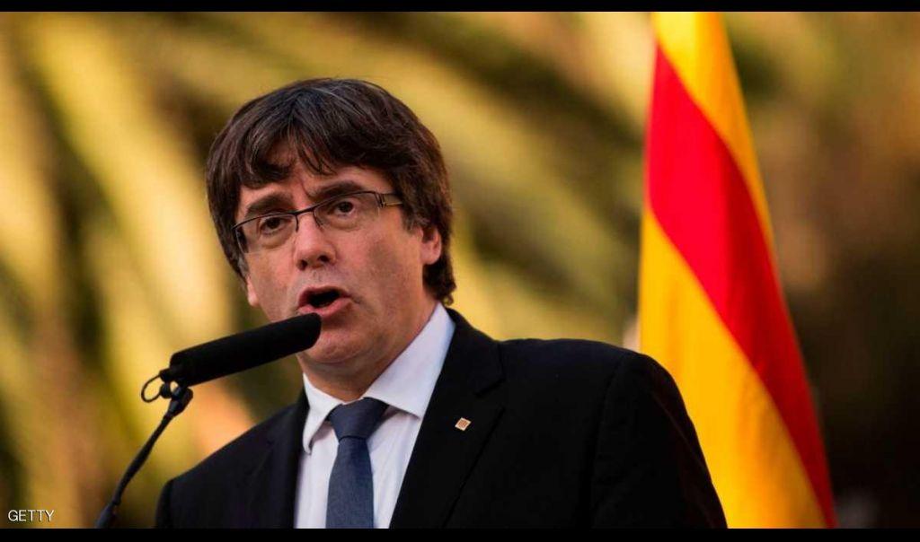زعيم كتالونيا المقال يسلم نفسه لشرطة بلجيكا