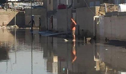 أزقة بغداد تغرق مع بدء موسم الأمطار