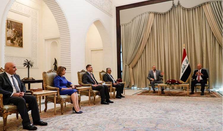 وفد الاتحاد الوطني يلتقي الرئاسات العراقية وقادة الكتل السياسية في بغداد للتباحث حول الانتخابات
