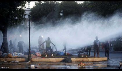 احتجاجات في إيطاليا ضد إخلاء مخيمات للمهاجرين
