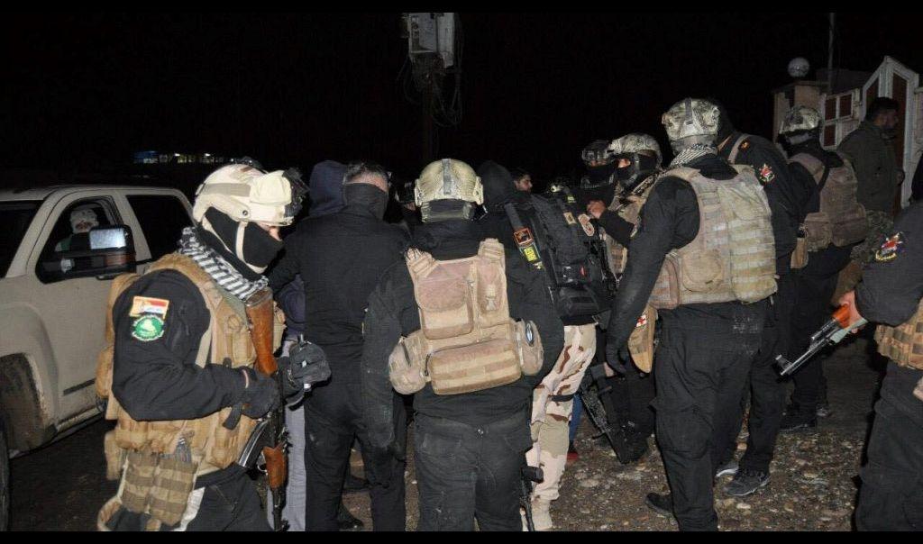 قوة أمنية، تضبط 170 الف دولار في مداهمة وكر لعصابات داعش الارهابية في الجانب الأيسر لمدينة الموصل