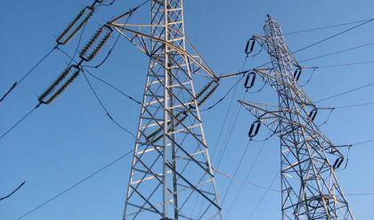 عناصر من داعش تدمر أبراجاً للكهرباء بين راوة والقائم