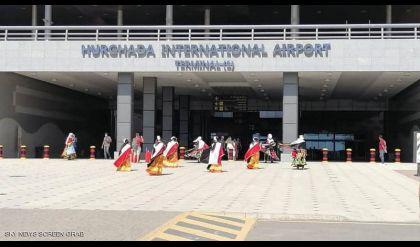 مصر تعيد فتح المطارات والمتاحف وأهرامات الجيزة