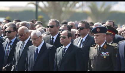 جنازة عسكرية بقيادة السيسي للمشير طنطاوي