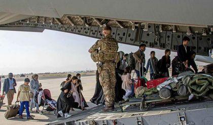 الجيش الأميركي أجلى من أفغانستان أكثر من 3200 شخص حتى الآن