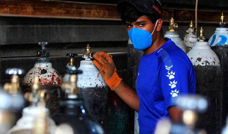 أعداد الإصابات بفيروس كورونا في العراق تواصل انخفاضها