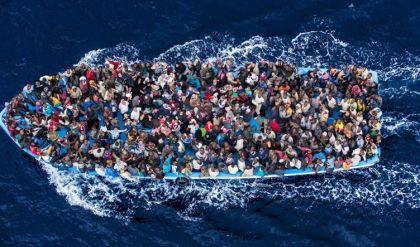 أكثر من خمسين مفقودا إثر غرق قارب مهاجرين أبحر من ليبيا