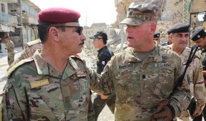 وفد امريكي يجري جولة في الموصل القديمة ... وقيادة عمليات نينوى تبدي تفاؤلها بالزيارة