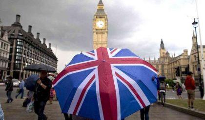 بدء الانتخابات العامة في بريطانيا ومراكز التصويت تشهد إقبالا كبيراً من المواطنين