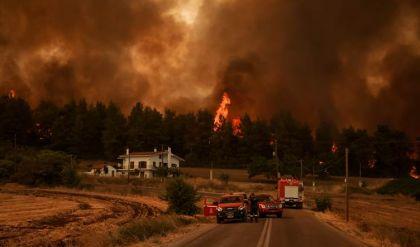 اتساع رقعة الحرائق في اليونان