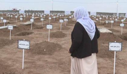 بحضور رسمي وشعبي.. مواراة رفات 104 من الكورد الإزيديين الثرى في كوجو